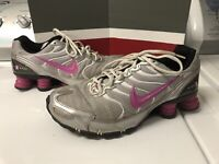 Womens Nike Shox Size 9.5 Running Shoes Pink White Silver Sneaker 318164-061