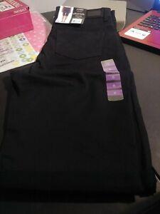 Jones New York  Bermuda Shorts  Size 6 New With Tags  Black