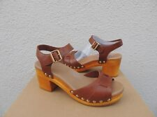 UGG JANIE RUST BROWN LEATHER ANKLE STRAP CLOGS/ SANDALS, WOMEN US 6/ EUR 37 ~NIB