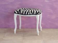 Pouff/sgabello laccato bianco in tessuto zebrato