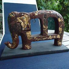 Sculpture Elephant Bois Socle Artisanat Fait Main Inde 33 x 22 x11 Cm- 1,030 Kgs