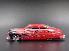 Modellini statici di auto, furgoni e camion rosso Mercury pressofuso