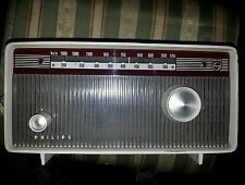 RADIO A VALVOLE PHILIPS FUNZIONANTE PERFETTAMENTE IN OTTIMO STATO.