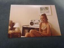 ancienne photo - jeune fille en pose