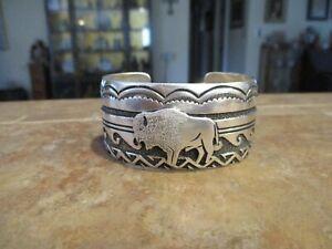 Vintage TOMMY SINGER (d.) Navajo Sterling Silver Overlay BUFFALO DESIGN Bracelet