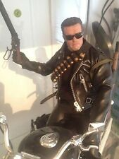 Hot toys 1/6 Terminator Arnold Schwarzenegger T2 With Motorbike Limited Edition