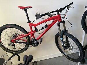 Santa Cruz Nomad Fox Full-Suspension