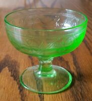 Vintage Set of 3 Green Depression Glass Sherbet Cups Bowls with Clover Pattern