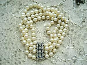 Schönes 4-Reihiges Akoya Perlen Armband m 8 Saphiren Verschluß 585er Weißgold
