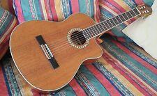 Konzert Gitarre mit eingeb.Tonabnehmer