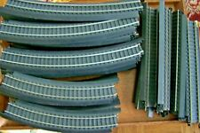 43 PCS.-HO SCALE PLASTIC TRACT- CURVED & STRAIGHT-LIFE-LIKE POWER-LOC