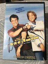 Stuck On You Press Kit Signed By Matt Damon And Greg Kinnear