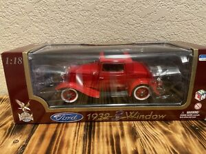 Road legends 1/18 1932 Ford 3 window Diecast red