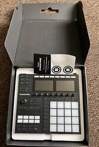 Native Instruments Maschine MK3 Drum Controller