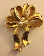 """Avon Goldtone Ribbon Brooch with Faux Pearls 2"""""""