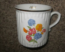 APRIL SWEET PEA birthday birth month flower china coffee mug Czech Republik