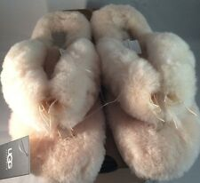 UGG Womens Fluff Flip Flop II Natural 10 NEW IN BOX WITH TAGS