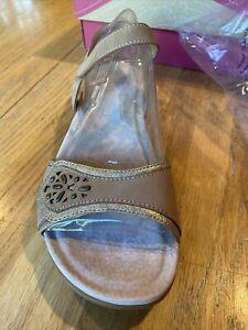 Dansko Womens Blythe Sand Leather Sandal EU 41 US 10.5-11