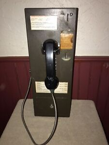 Vintage Pay Phone Push Button, No Name, Good Dial Tone, No Key.