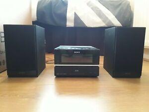 Sony Ipod/Radio/CD Player. VG Condition