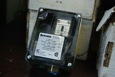 Barksdale 9617-5, Pressure Switch. 295-5000 PSI    New in Box