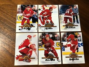 1997-98 Leaf DEROIT Red Wings Hockey Team set