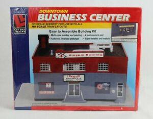"""LIFE-LIKE HO U/A """"DOWNTOWN BUSINESS CENTER"""" PLASTIC MODEL KIT #1373"""