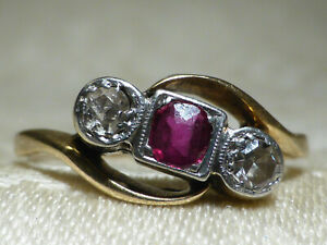 Lovely Vintage 18ct Gold and Platinum Ruby & Diamond ring 3 stone. Bargain