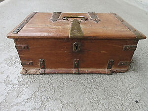 COLLECTIBLE SPANISH ANTIQUE, 1700-1800s TEAK WOOD STRONG BOX wLOCK NO KEY