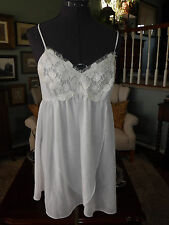 IVORY WHITE FLORA SHORTY NEGLIGEE 2 PC TOP AND PANTIES  SIZE L PERFECT NWOT