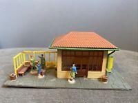 HO Train Depot Station - Bus Terminal - Waiting Area Diorama Model Railroad RR