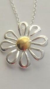 BEAUTIFUL SILVER PLATED DAISY FLOWER  PENDANT NECKLACE