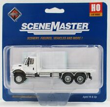 HO Scale Walthers SceneMaster 949-11650 International 7600 MOW Flatbed Truck