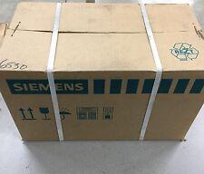NEW IN BOX SIEMENS SERVO MOTOR 1FT7044-1AF71-1DG1
