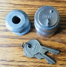 1920s 1930s SPARE TIRE LOCK w/YALE KEYS vtg exterior accessory