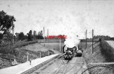 PHOTO  GWR BROAD GAUGE DOWN ROVER CLASS HAULED TRAIN. TWYFORD RAILWAY STATION