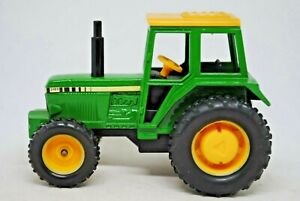 BRITAINS Action Drive JOHN DEERE Type Tractor w/ PULL BACK & GO!!!!! Action VGC