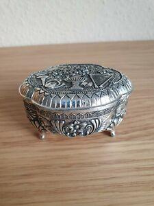 Omas Alte Schmuckdose ( Silber ??!!?) Schmuckkästchen Schatulle Schatztruhe