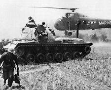"MAG-16 helicopter evacuates STARLITE casualties 8""x 10"" Vietnam War Photo #31"