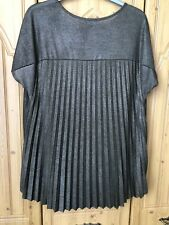 WAREHOUSE. SIZE 14. LADIES SAGE GREEN/SILVER TUNIC TOP WITH PLEATED BACK. VGC