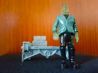 Frankenstein - Universal Monsters Figure - Burger King Promo 1997 + Sticker RARE