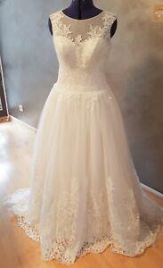 Brautkleid Prinzessin Mit Viel Spitze Gr 40 Ivory