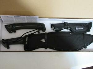 Gerber Pursuit Hunting kit (knives & Saw) New in Box