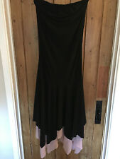 Vestido sin tirantes/Fiesta Vestido Negro Con Dobladillo Pañuelo Rosa Freepost UK