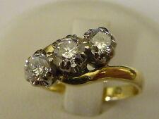 Señoras de 18 quilates chapado oro 50pt 3 Piedra Diamante Cruzado Anillo, Talla K