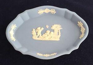 WEDGWOOD JASPER WARE WHITE AND BLUE TRINKET DISH/PIN DISH WITH CHERUB DESIGN