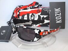 OAKLEY Frank Kozik HIJINX Artist Series 12-798 Polished Black / Warm Grey