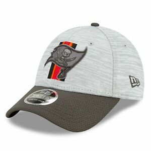 Tampa Bay Buccaneers New Era NFL 2021 Training Camp 9FORTY Curve Stretch Snapbac