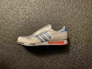 Adidas Micropacer Mini Shoe Minischuh Miniaturschuh vintage colourway ca. 5 cm