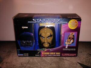 Playmates Toys Klingon Great Hall Star Trek Collectors Series